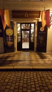Eingang des Alchemie-Museum in Prag