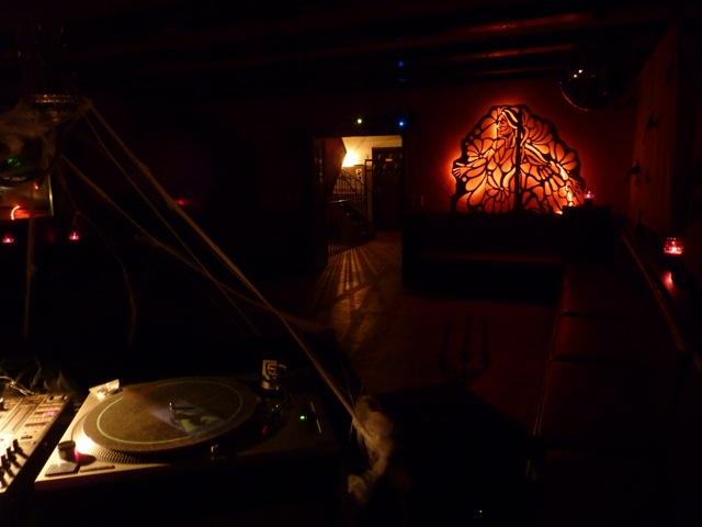 Die-Elektronische-Nacht-Lichtspiele