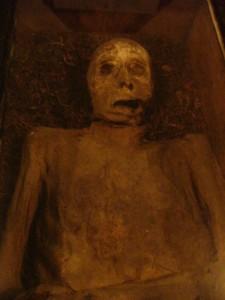mumien-wieuwerd-mann-mit-kieferabszess