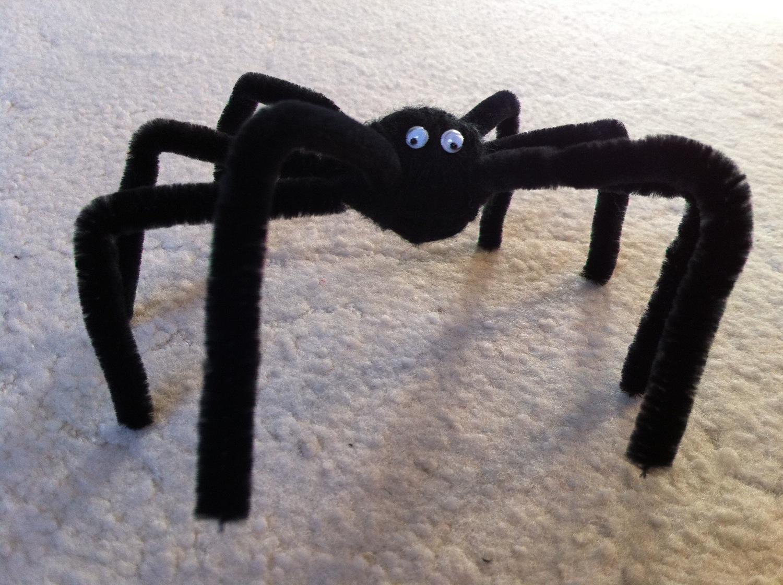 Spinnen basteln - Halloween Party Deko selber machen » Der schwarze ...
