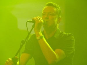 Blancmange: Neil Arthur voll konzentriert