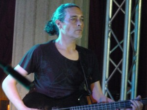 Bruno Caurat: Bass
