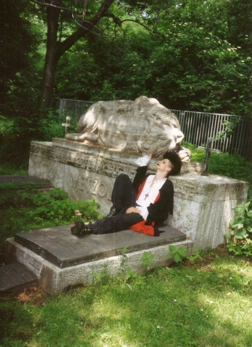 Kara Ben Nemsi beim 2. WGT 1993 Südfriedhof Leipzig