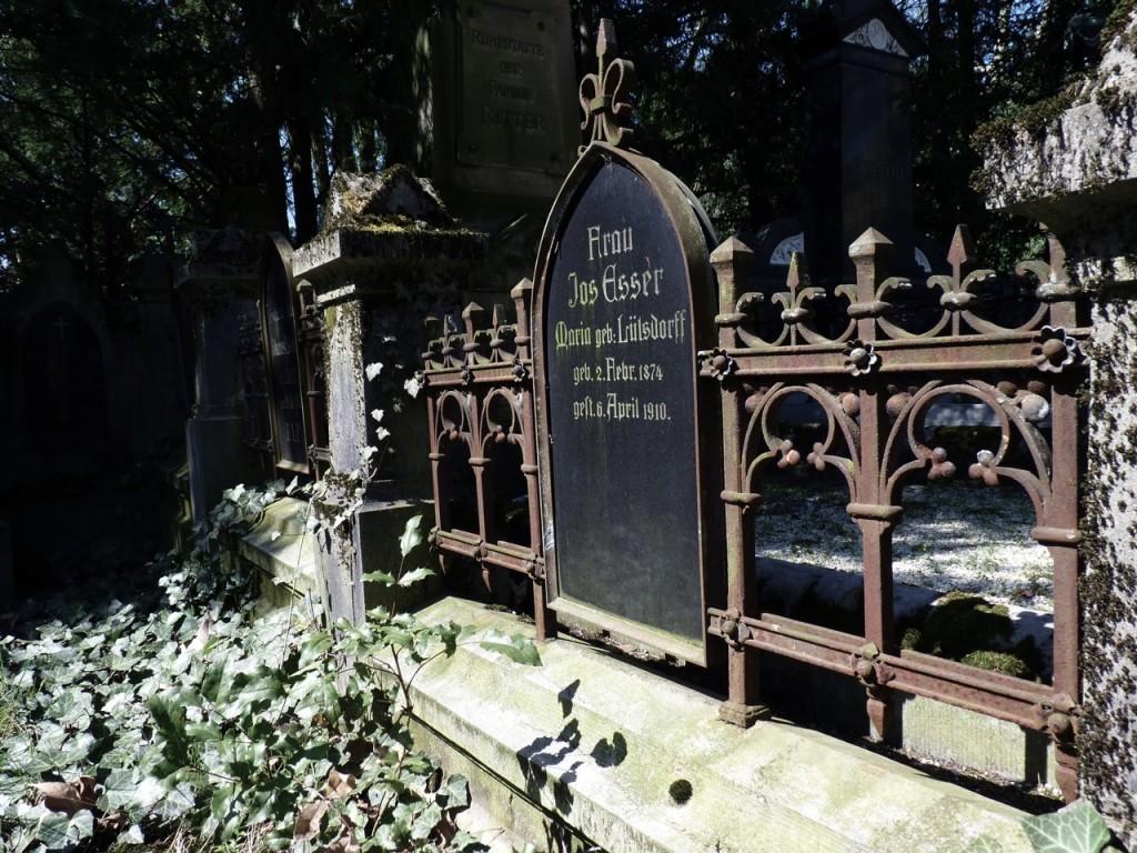 koeln-friedhof-alte-graeber