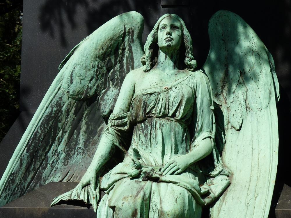 trauriger-engel-friedhof-koeln
