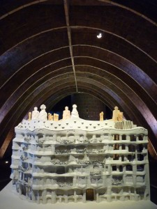 Modell von Casa Milà im Speicher (Attic)