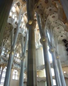 sagrada-familia-barcelona-hell