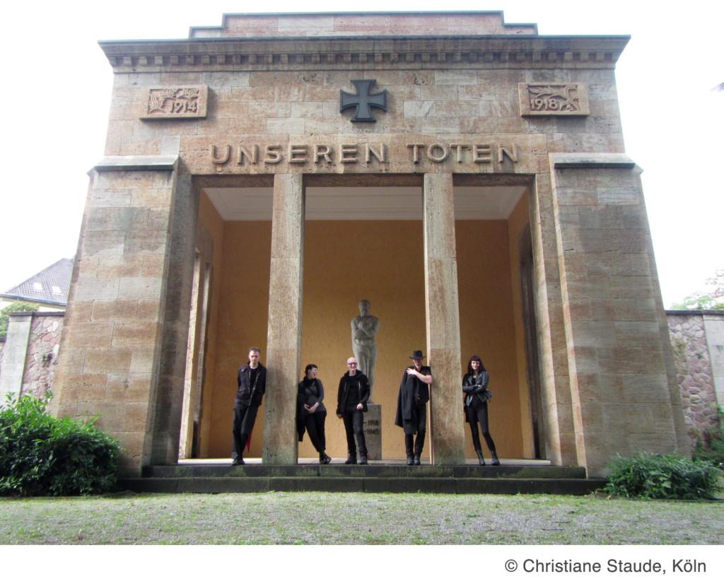 Nicht so gefährlich wie Rodeln in Winterberg: Besuch auf dem Zentralfriedhof Mainz