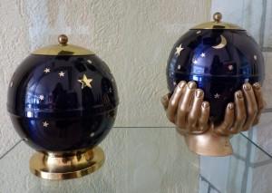 Sehr beliebt: Mond-und-Sterne-Urnen