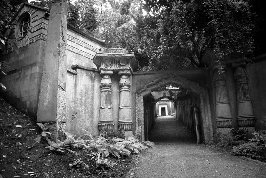 Ägyptische Allee - Highgate Cemetery (Foto: Bea v.T.)