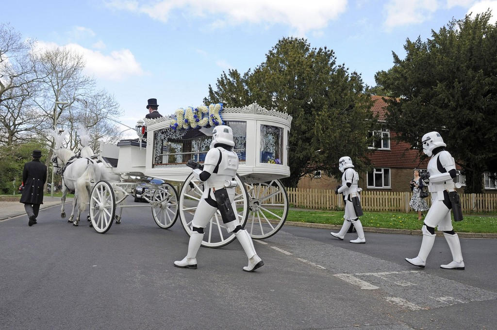 Star-Wars-Beerdigung von Jack Robinson (Foto: www.mirror.co.uk)