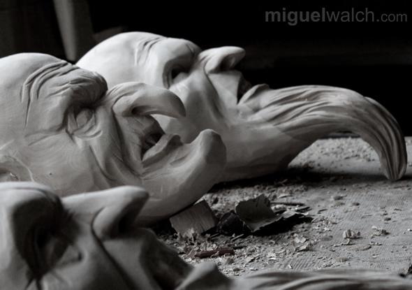 miguel-walch-krampusmasken-schnitzen