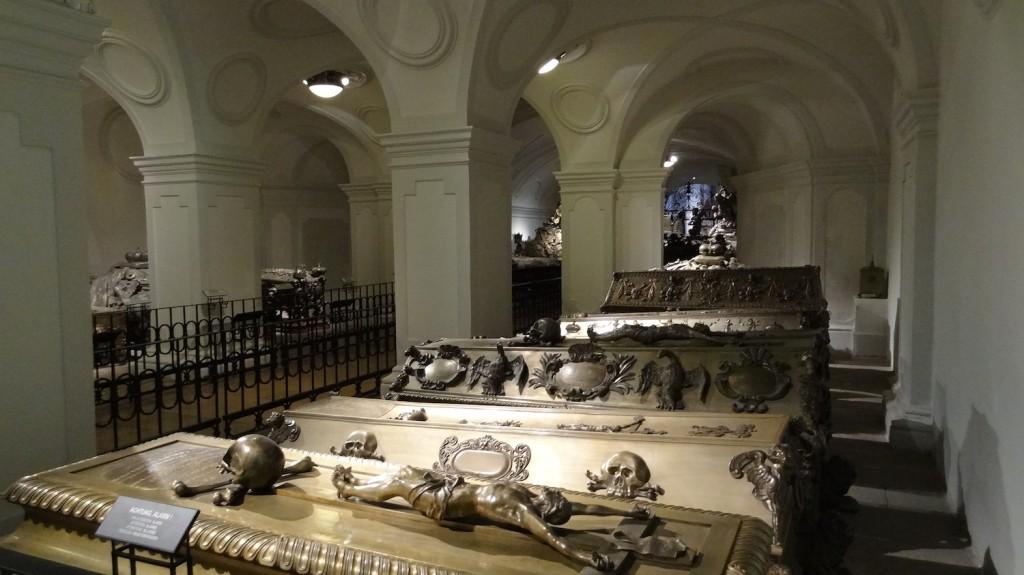 Unter der Kapuzinerkirche - die Kaisergruft mit den Särgen der Habsburger Dynastie