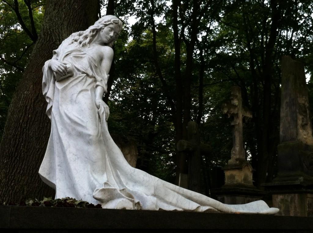 So stelle ich mir die Statue auf meinem Grab vor!