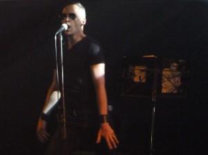 Beweglicher Mann mit Sonnenbrille ;)
