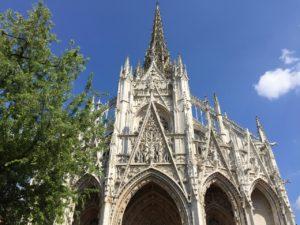 Kirche Saint-Maclou von vorn - Gotik Overdose!