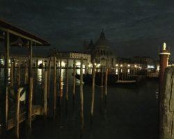 Die San Salute war die einzige, die uns nachts um 2 Uhr in Venedig willkommen hieß. Sonst begegneten wir keiner Seele Mensch.