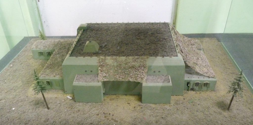 So sah Hitlers Bunker in der Wolfsschanze aus (Modell).